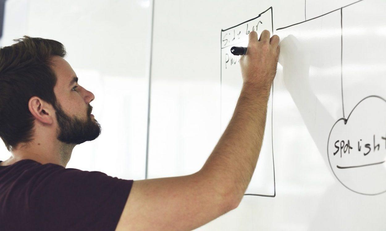 L'Ontario cherche à augmenter les stages et l'apprentissage en milieu de travail
